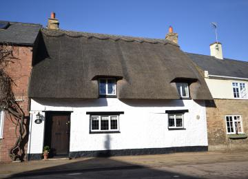 Chocolate Box Cottage in Nassington Coming To The Market Soon
