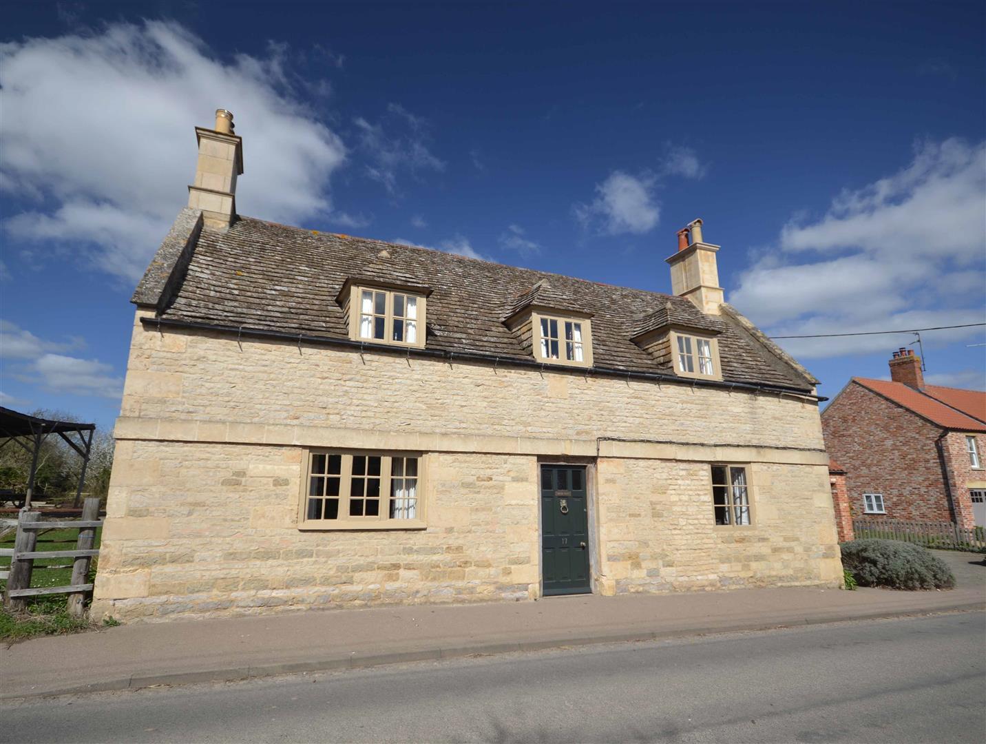 5 Bedroom Cottage - Detached -