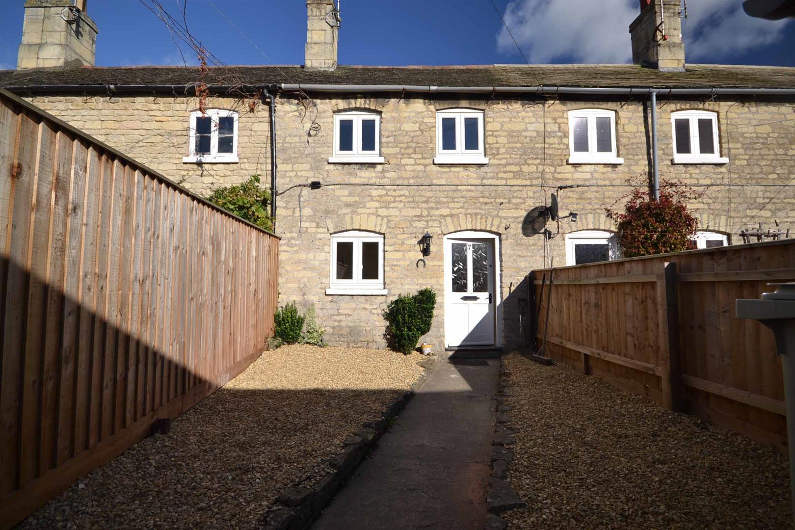 2 Bedroom Cottage - Terraced -