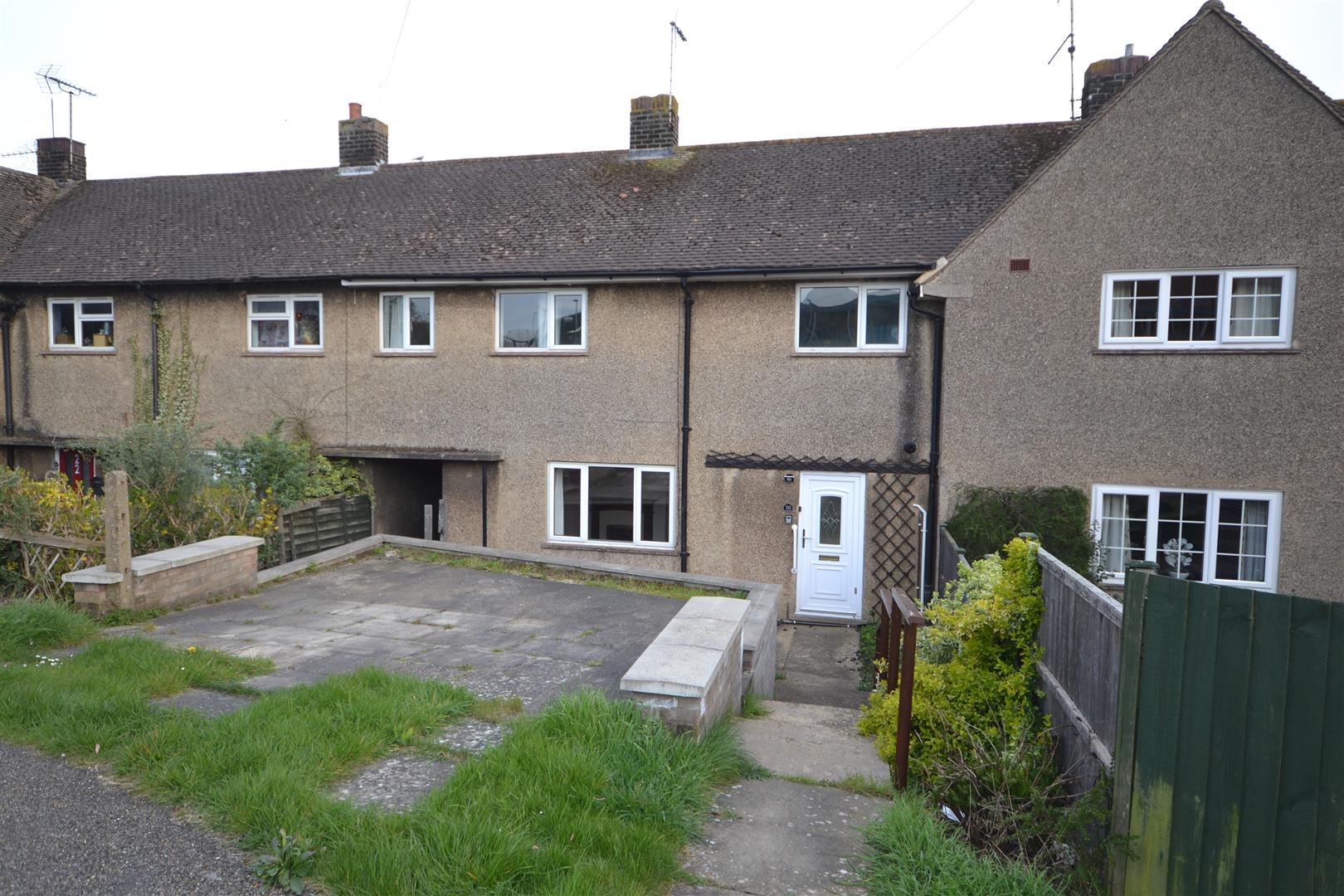 4 Bedroom House - Mid Terrace -