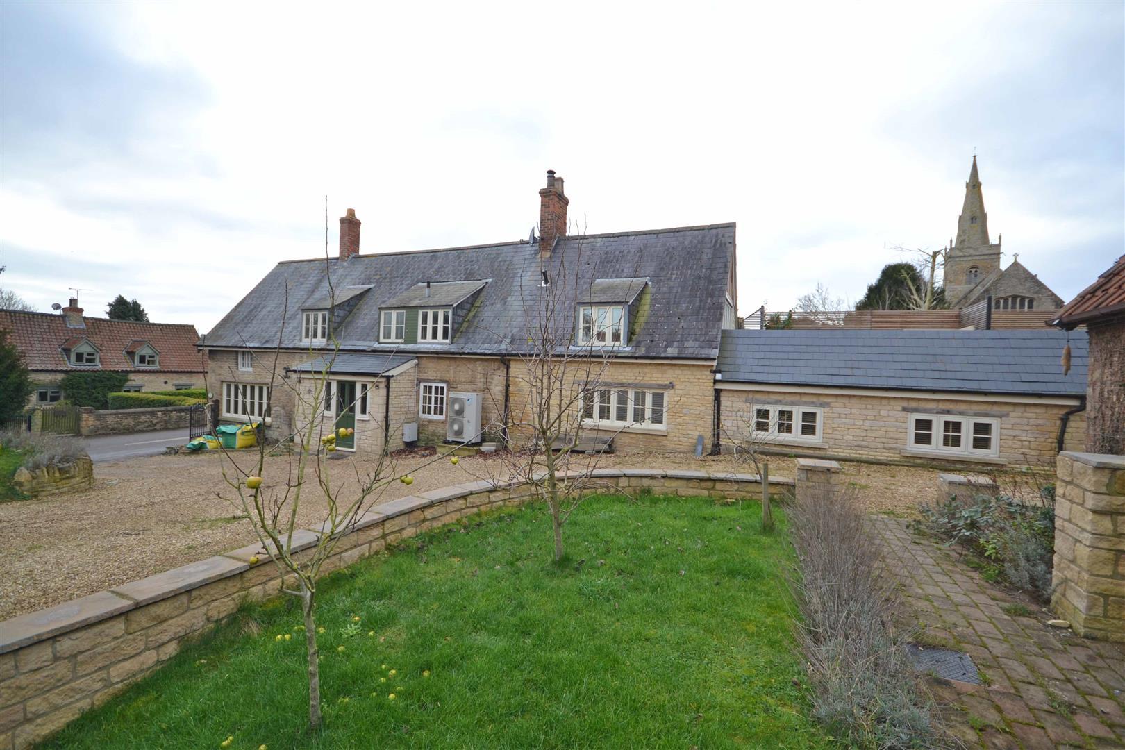 3 Bedroom Cottage - Detached -