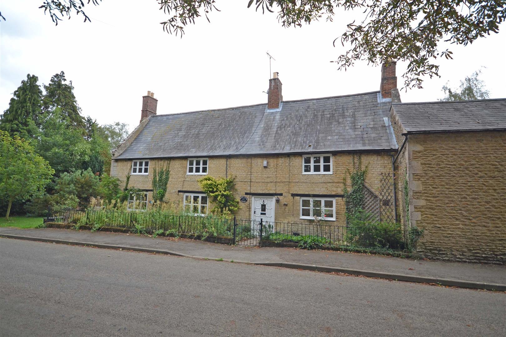 4 Bedroom Cottage - Detached -