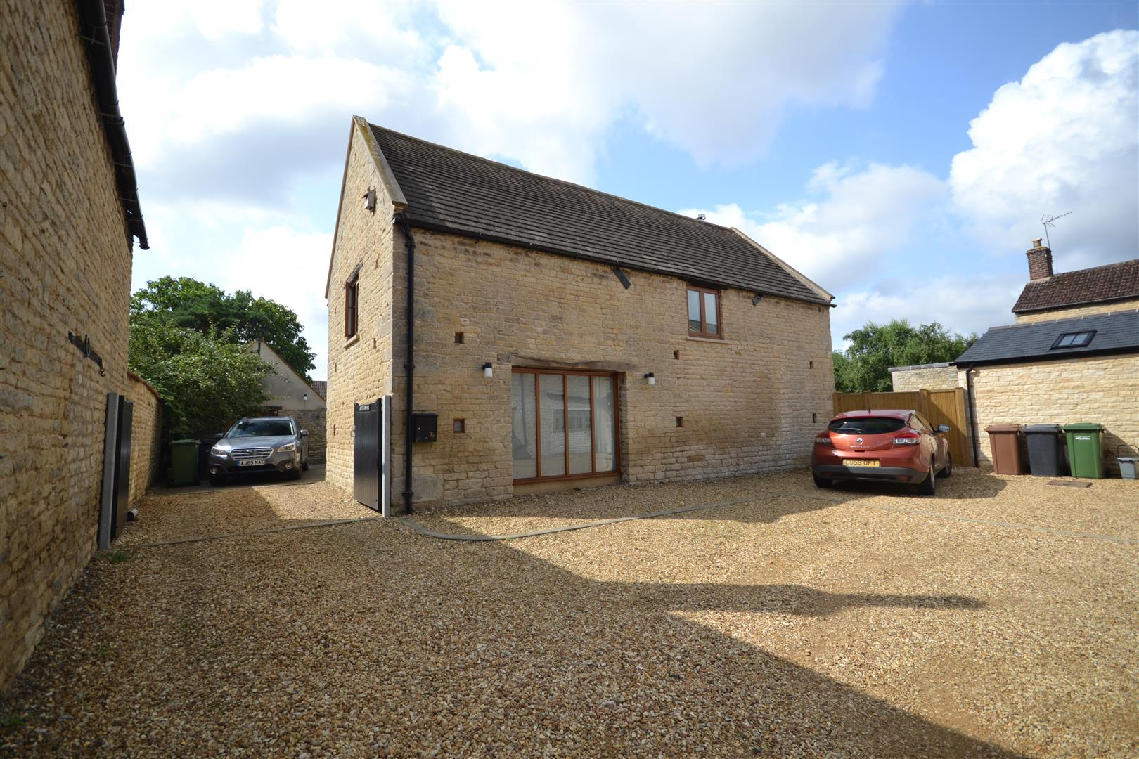 3 Bedroom Barn Conversion -