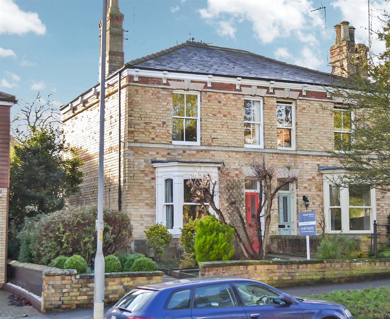 3 Bedroom House - End Terrace -