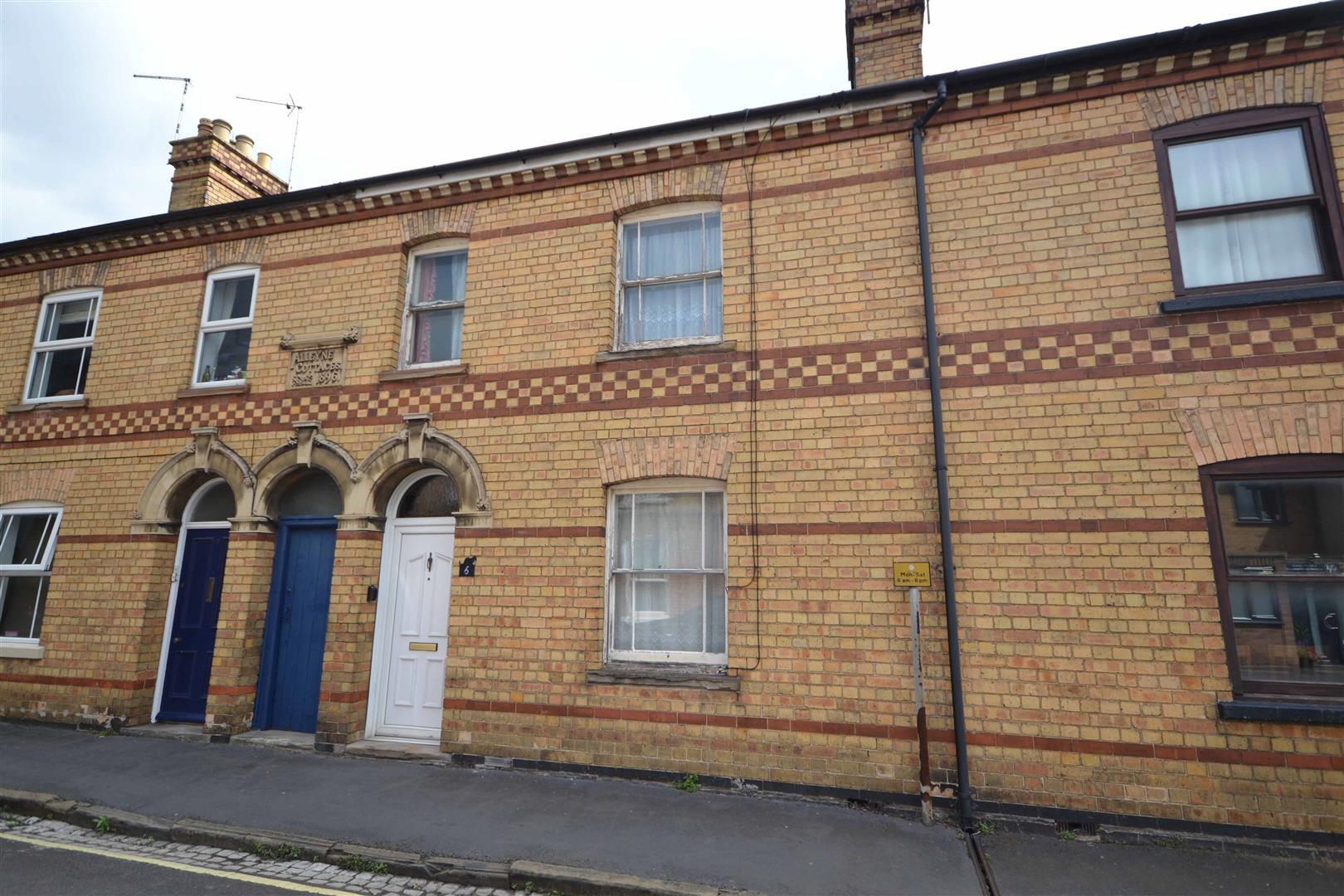 3 Bedroom House - Terraced -
