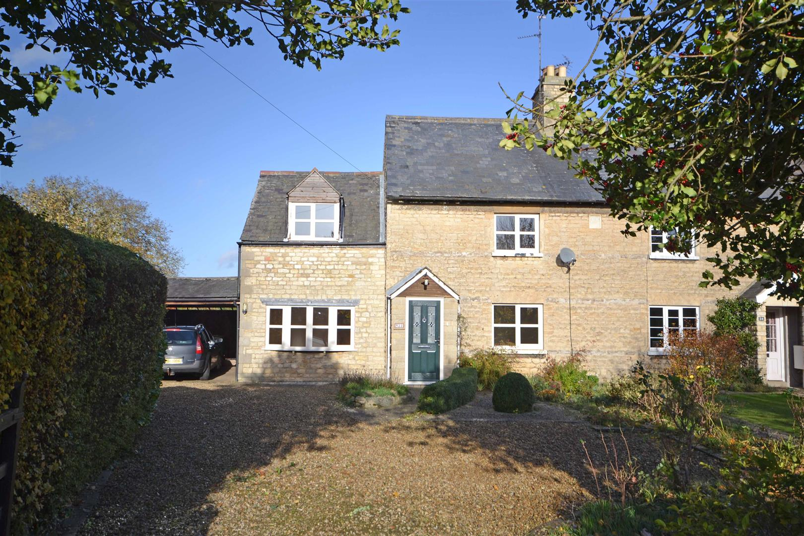 4 Bedroom Cottage - Semi Detached -